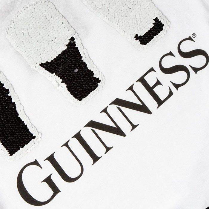 T-shirt Guinness da donna bianca con paillettes a 2 vie - particolare - Viaggiare in Irlanda