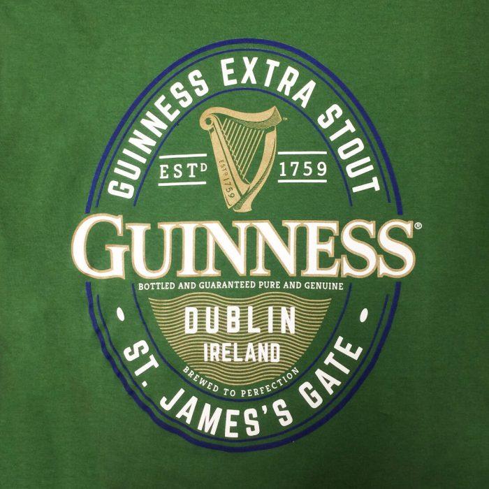 T-shirt Guinness Classica colore verde con logo Guinness - Logo Guinness - Viaggiare in Irlanda